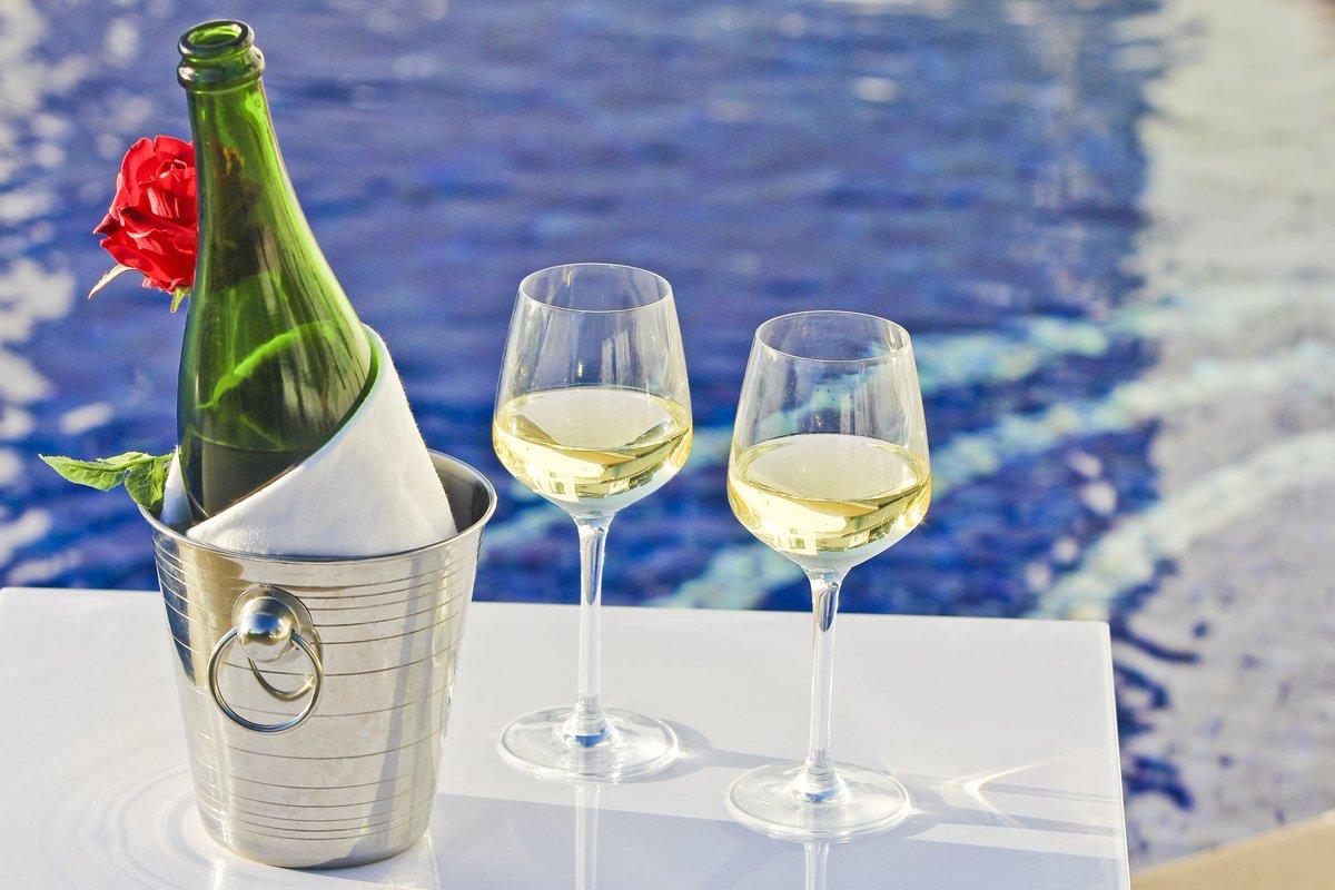 Imagine your premium accomodation next summer in Privilege Villa. #MenorcaVacations #MenorcaHolidays #MenorcaAllYear #MenorcaEveryDay #MenorcaDetails #MenorcaParadise #MenorcaLove #MenorcaLife #EnjoyMenorca #Balearics #BalearicIslands #MenorcaSonBou #MenorcaViews #VisitMenorcapic.twitter.com/JUBxj0GijG