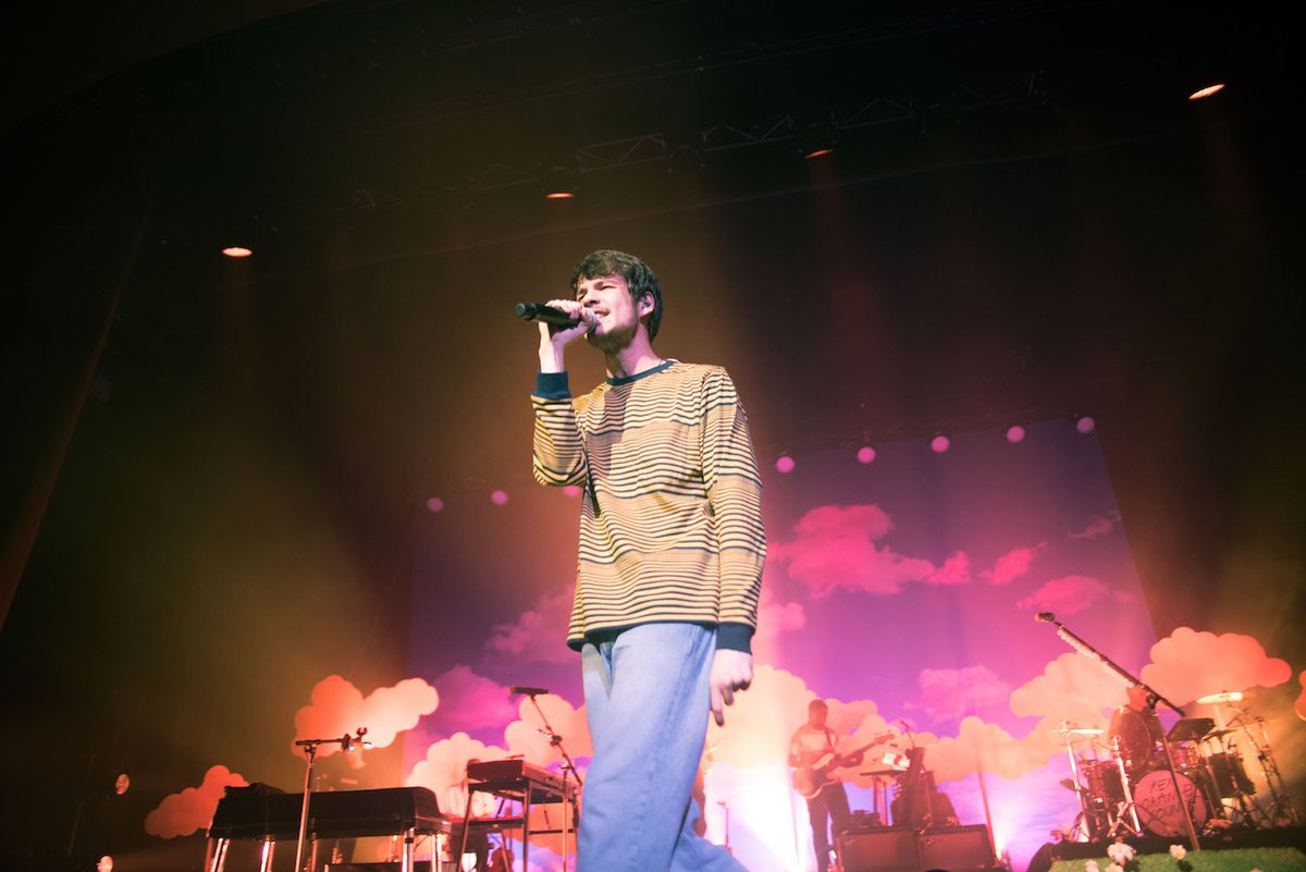 LIVE Rex Orange County (@rexorangecounty) dips into the occasional treat from 2017's Apricot Princess and lets the energy build and fall...the musician's setlist was wonderfully curated from start to finish 📸Becca Cribb Review & Gallery: bit.ly/34uZ78C
