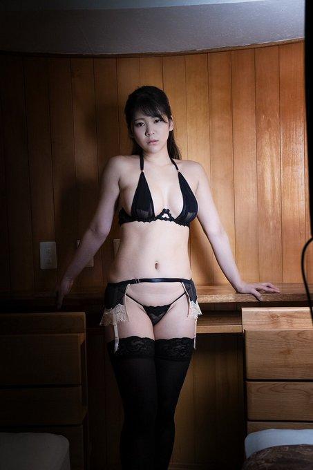 グラビアアイドル高杉杏のTwitter自撮りエロ画像19