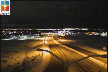 EVERY part of the metro is snow-packed and icy! @SashaKOAT & @BrittanyKOAT are live covering the road conditions this morning and we already saw trucks and cars sliding all over the streets.