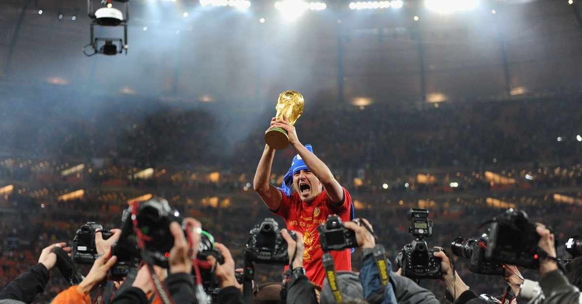 Happy 38th Birthday to @Guaje7Villa 🎂 As well as being Spains all-time top scorer, he has also scored a country record of nine @FIFAWorldCup goals - five of which were in 2010, a year that he (and the rest of @sefutbol) went down in football history 🇪🇸🏆