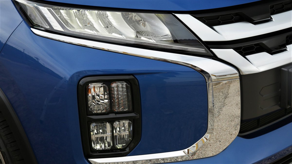 The #ASX. Lighting the road ahead with its distinctive LED lighting layout.   Take a closer look at its styling at: