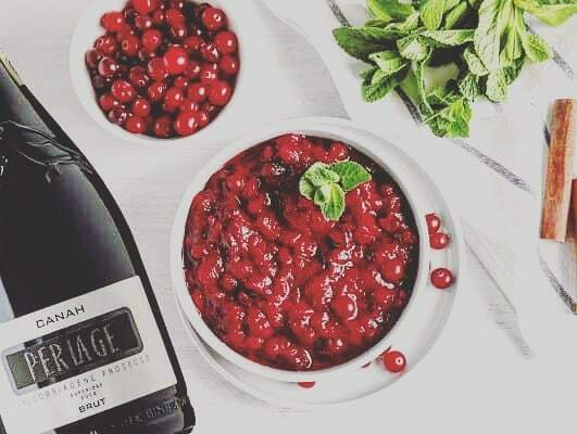 Celebrate #thanksgiving with CANAH Valdobbiadene Prosecco Superiore Docg Brut #celebration #enjoythanksgiving #organicwine #veganwine #winelovers #proseccolovers