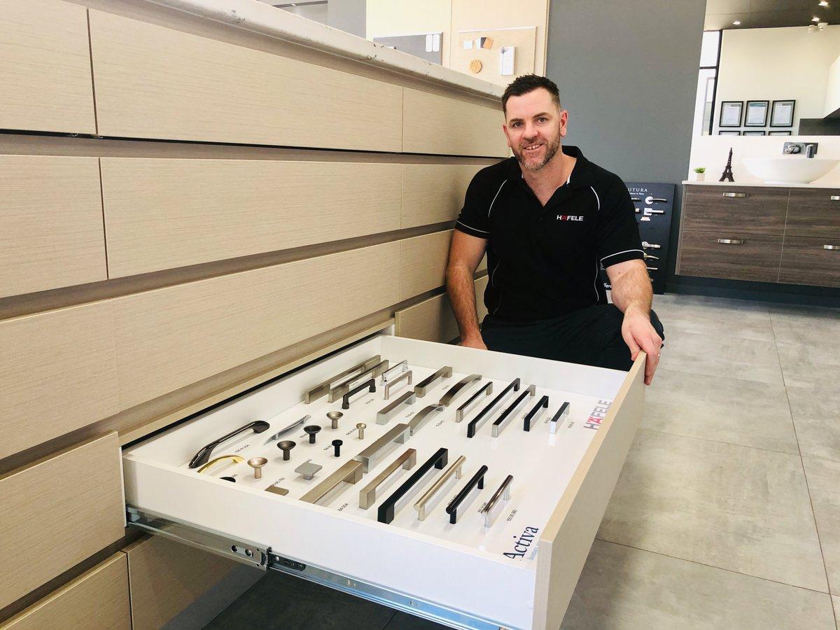 Thanks to Luke from @hafele_aus for installing our new handle display board #hafele #handles #showroom #prestartselections #perthhomebuilderpic.twitter.com/kZDpAo4EPb