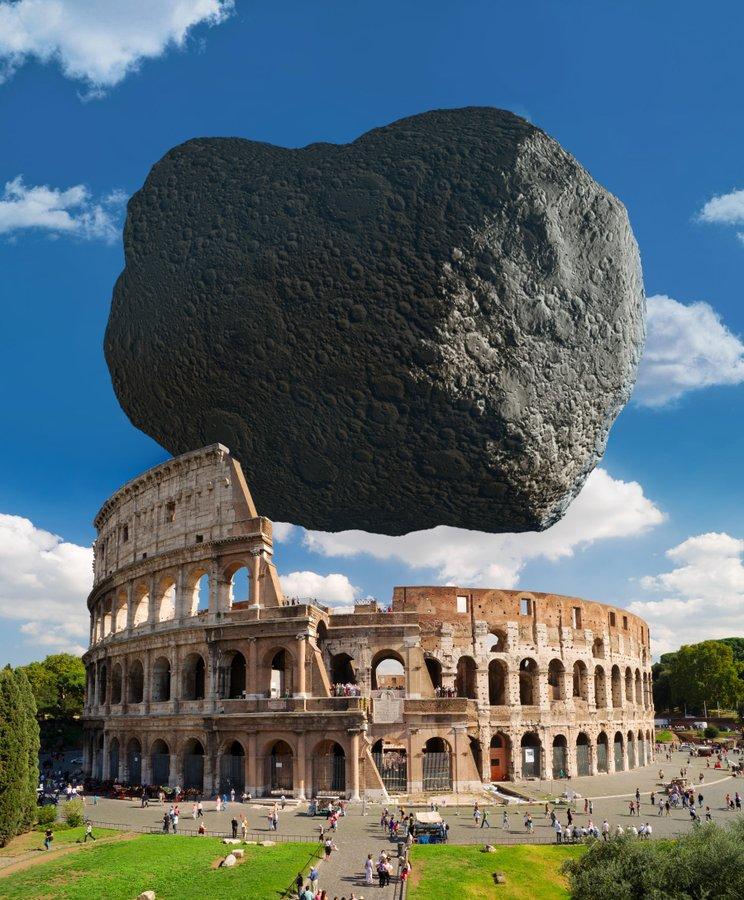 астероид бинарной системы Дидим над Колизеем