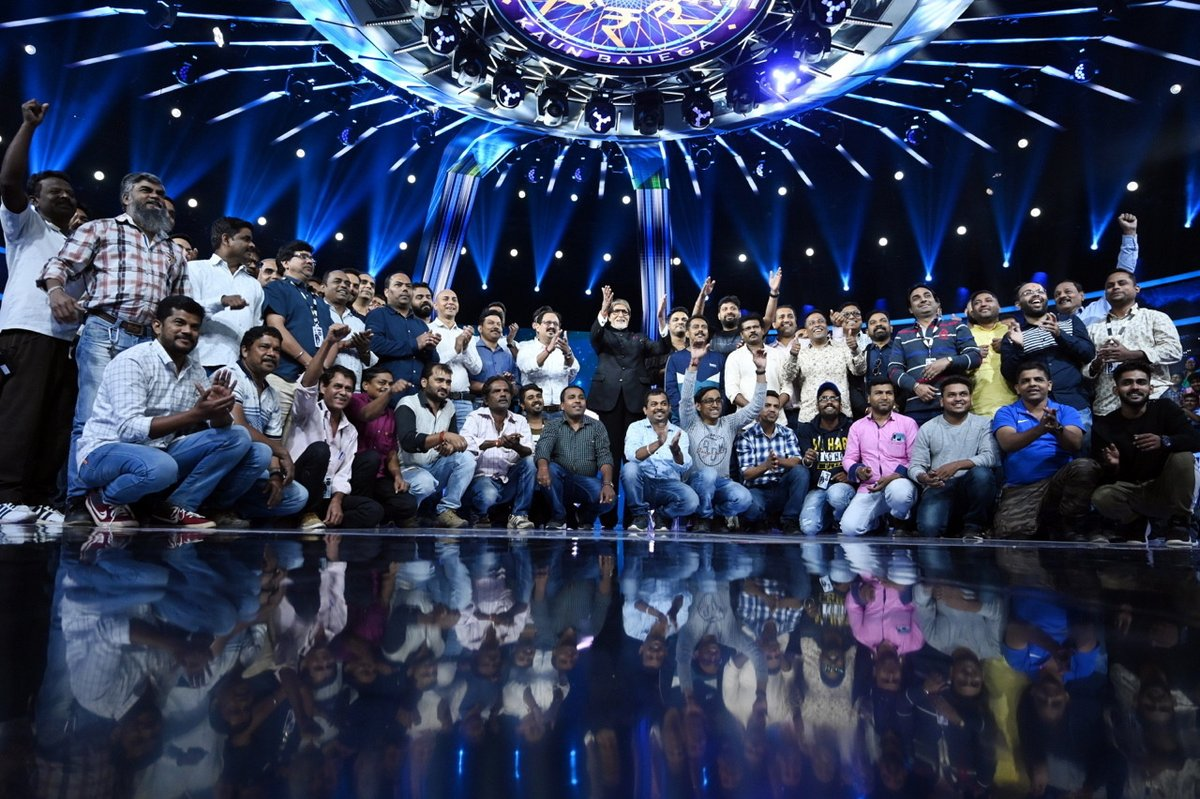 "Last time for this season- ""शुभरात्री शुभरात्री शुभरात्री"".. #KBC11  @SrBachchan Now waiting for next season #KBC12 Come soon. @babubasu @SrBachchan Thank u for giving us this successful season! #KBCKARAMVEER The best one with #SudhaMurthy  Love u @SrBachchan <br>http://pic.twitter.com/5oD8n2llB5"