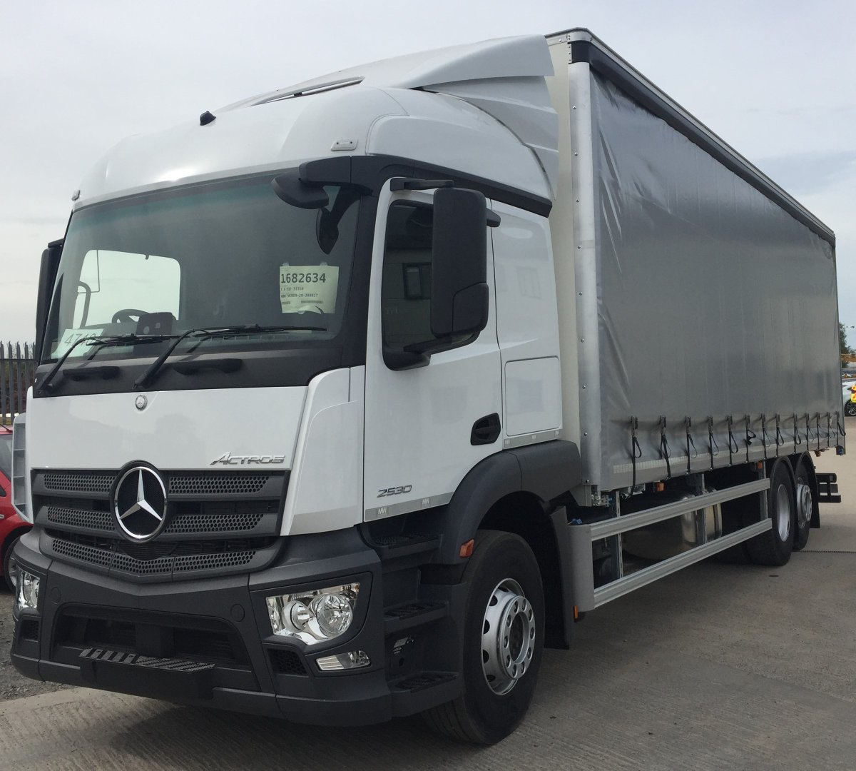 test Twitter Media - 26t Mercedes Actros Curtainsider With Moffet mount to rear and Metallic silver curtains.   With thanks to Asset Alliance Group and WT Transport   #Mercedes #Actros #Curtainsider #Moffet #MWHull https://t.co/8yAlTOkBbM