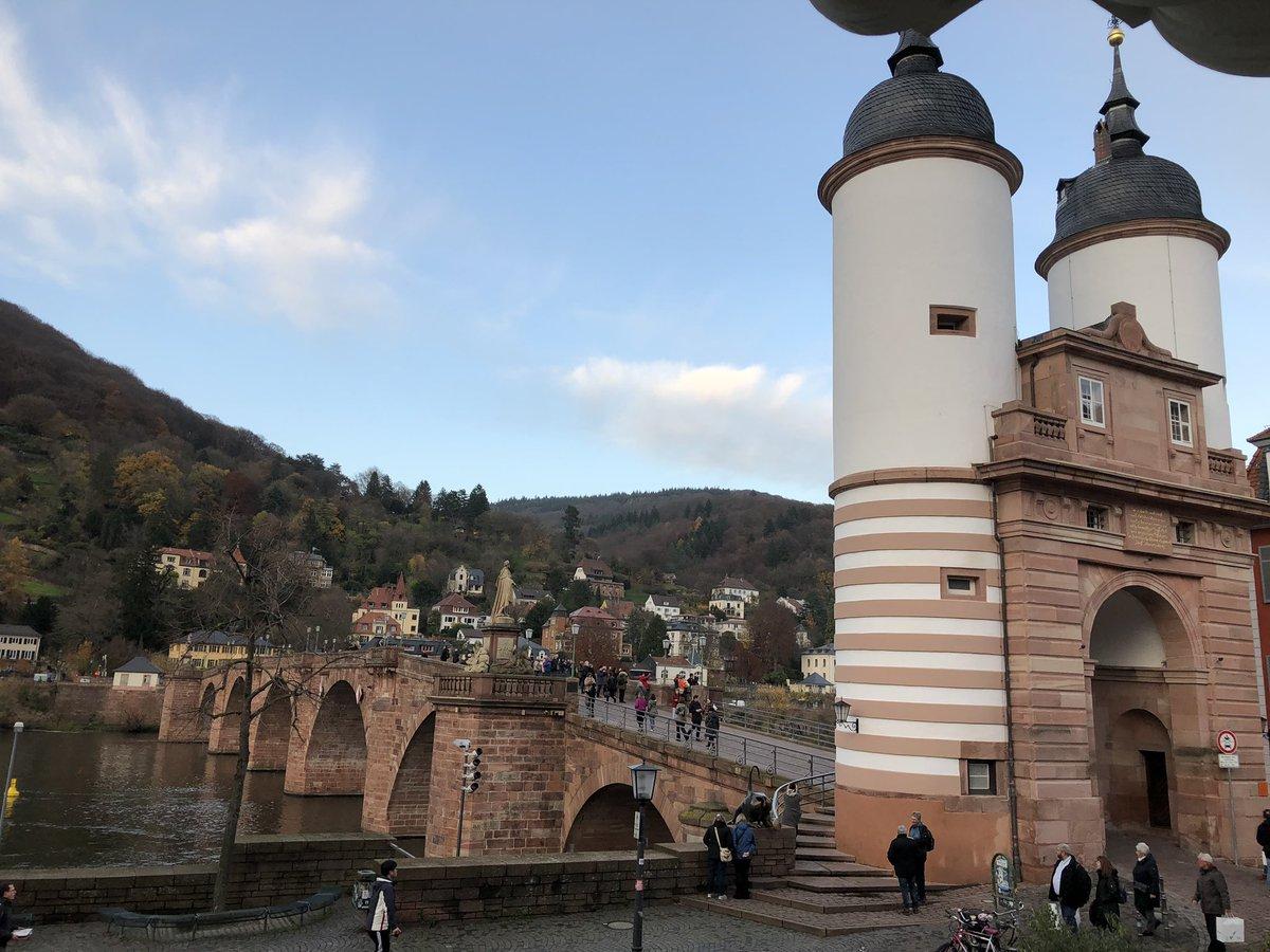 Ein gelungener Start in das erste Adventwochenende #advent #heidelberg #lebensmomente pic.twitter.com/eA3BEl9VmB – at Karl-Theodor-Brücke (Alte Brücke)