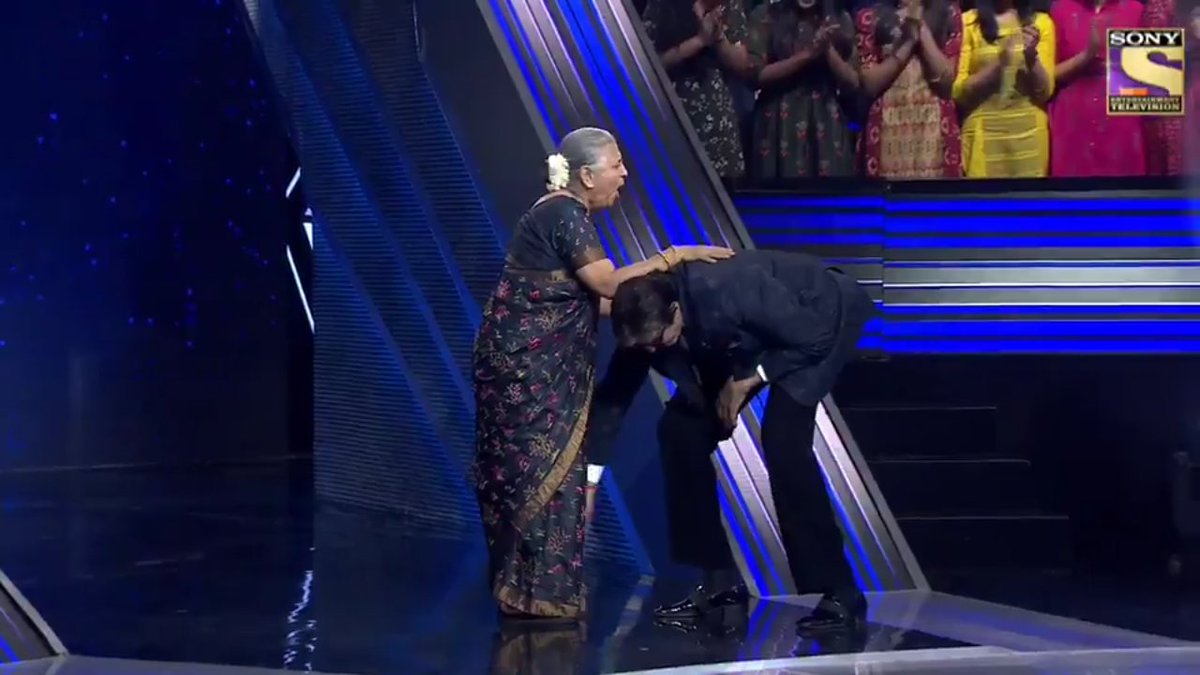 """Must watch #KBCKaramveer last episode of #KBC11 Meet the Super Hero #SudhaMurty in the #KBCFinaleEpisode tonight at 9PM on @SonyTV   You are inspiration to the world Sir. U touched her feet.This shows the high values u have. @SrBachchan Proud to be Born in """"BACHCHAN YUG"""" Loveu<br>http://pic.twitter.com/6ub6OdjPME"""