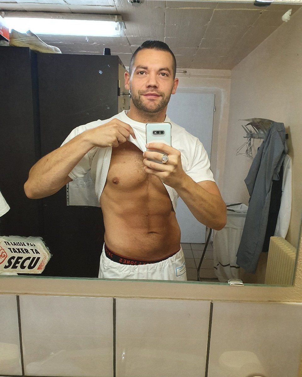 Bon week-end!!! #shapeoftheday #currentshape  #fit #sexy #weekend #hot #shredded #life #body #men #fitfrench #shape #sport #workout #abs #training #lifestyle #mood#exhib #bodygoal#fitness #fitboy #abdos #instagood #aesthetics #musculation #sixpacks #fitnesslifestylepic.twitter.com/9smt1zEl2B