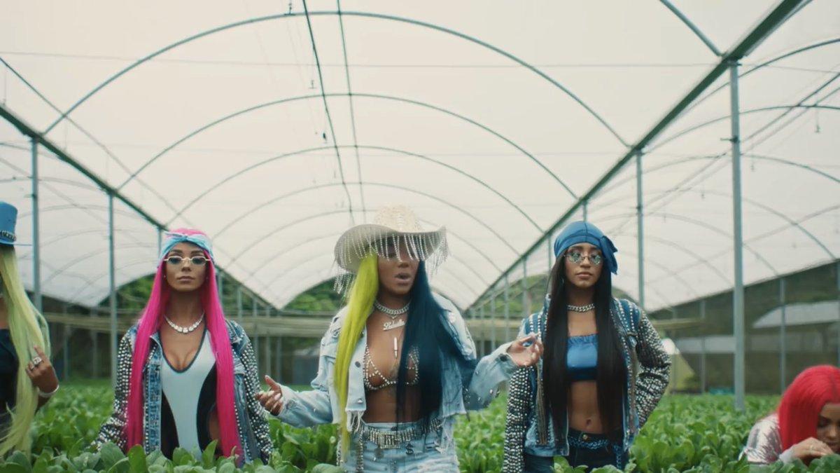 """Chapadah? Ludmilla acaba de lançar o clipe do seu novo single """"Verdinha"""" e como todos os outros da videografia, está impecável! youtu.be/lYFNyj8tjDg #LudmillaVerdinha"""