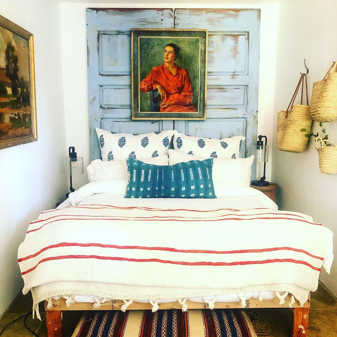 John Robshaw On Twitter Great Way To Deal With A Tight Bedroom A Couple King Euros Make A Headboard Nicely Done Lizabeth K Mcgraw Johnrobshaw Masterbedroom Bedding Https T Co Ngwhsrefuh