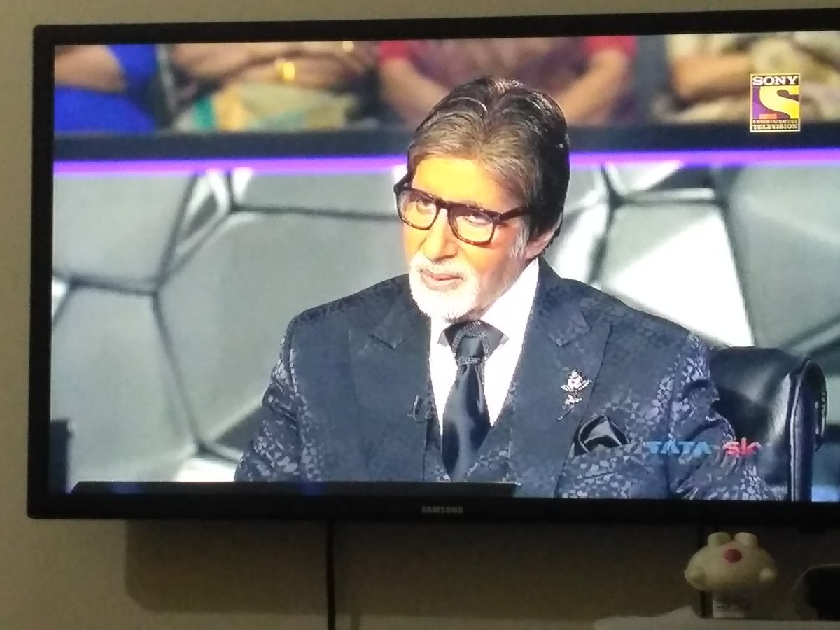 Today's last episode of #KBC11 is awesome.  #SudhaMurthy Ji is really down to earth personality. Glad to know more about her.  Sudha Ji is an inspiring #RoleModel  Thanks to #KBCKaramveer @SrBachchan Ji & @SonyTV  #FridayMotivation  @Infosys @InfosysEvents @InfyFoundation<br>http://pic.twitter.com/8YqA3tibc8