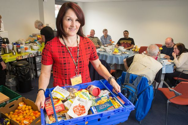 Food bank users slam Tory for suggesting they get better at handling money mirror.co.uk/news/politics/…