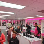 Image for the Tweet beginning: Love seeing packed @GPMobileTPR stores