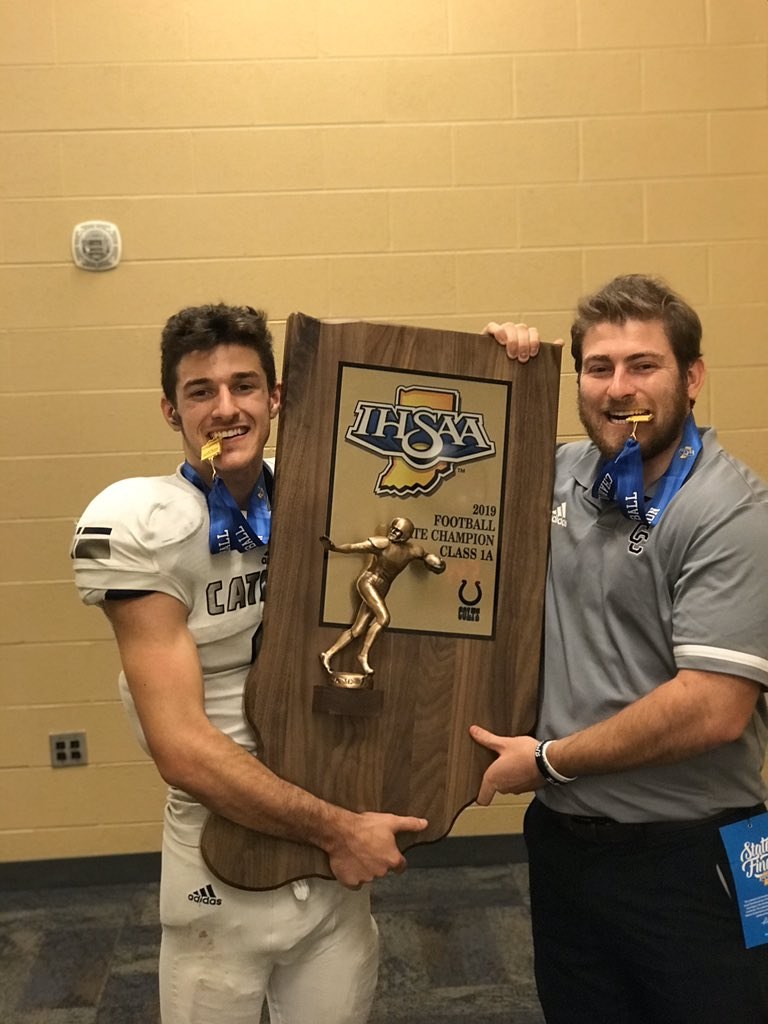 No better feeling than being STATE CHAMPS!!!! #KRD oh yeah and my dude had 3 TD's and the game winning 2 pt conversion!!! pic.twitter.com/2VhH0VTOAZ