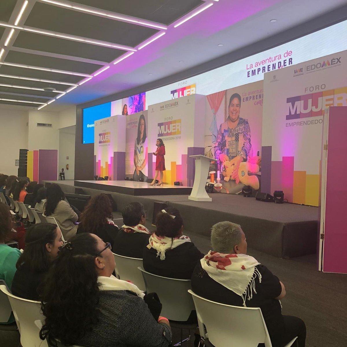 Un gran gusto compartir y charlar con  mujeres emprendedoras que luchan , sueñan y logran #ForoMujerEmprendedora #EmpiezaConEllos