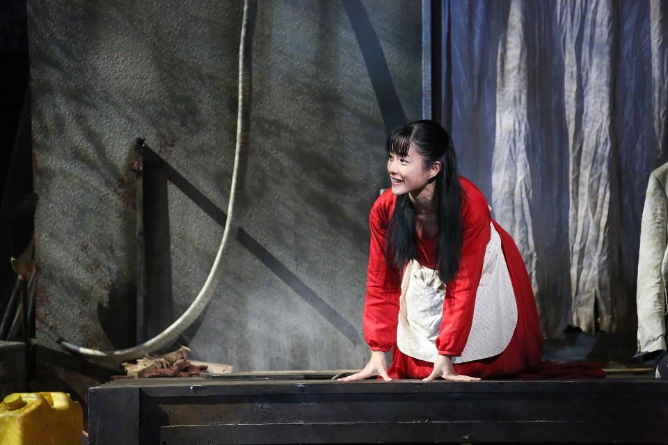 \放送まであと2週間/ 『石原さとみ主演「アジアの女」 作:長塚圭史 演出・出演:吉田鋼太郎』 12