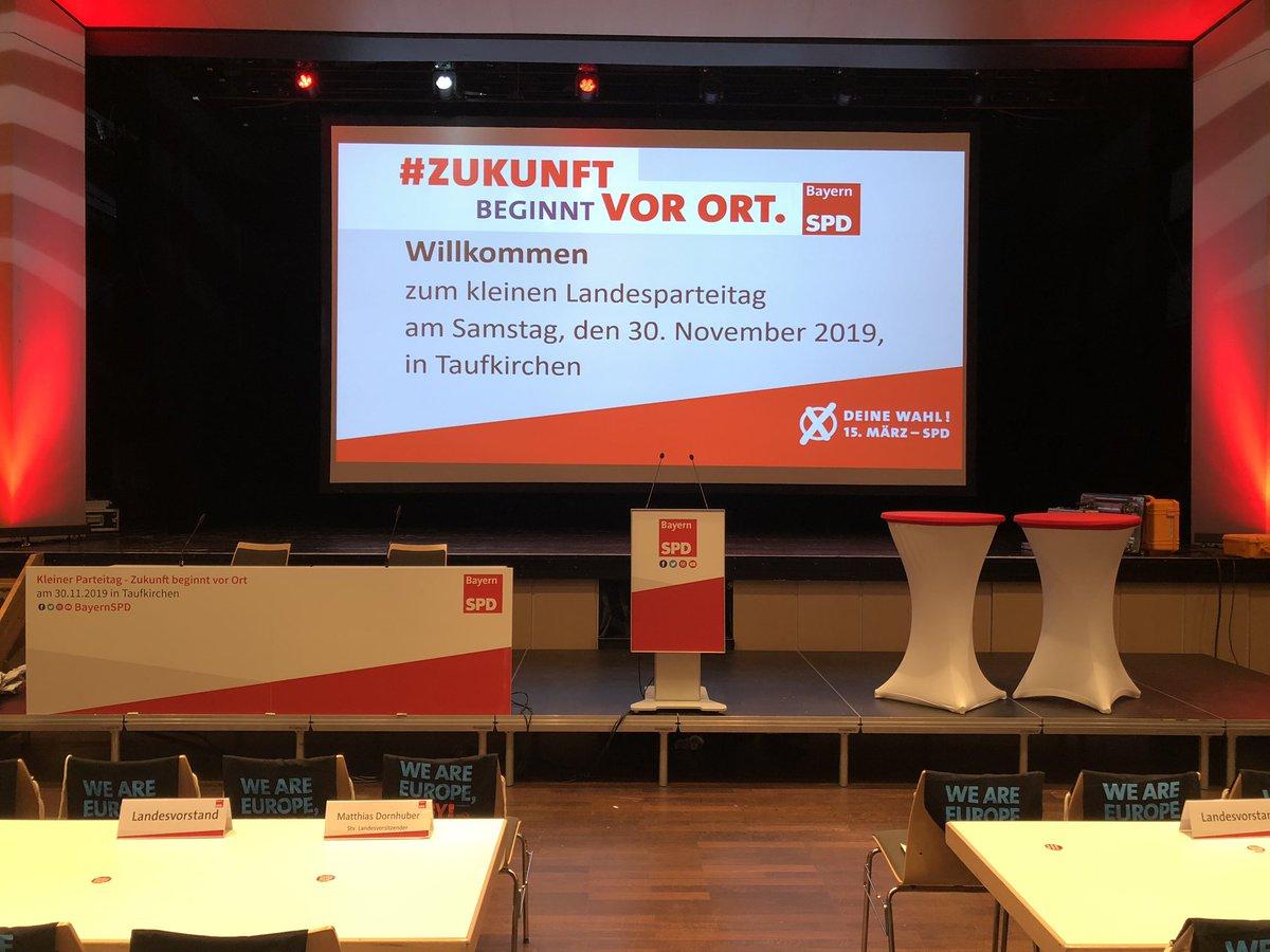 In gut 90 min. geht's los: Kleiner Landesparteitag #lpt19 in Taufkirchen, #zukunftbeginntvorort unter anderem mit @NataschaKohnen @UliGroetsch @KlausAdeltpic.twitter.com/LjxrZNKSzL