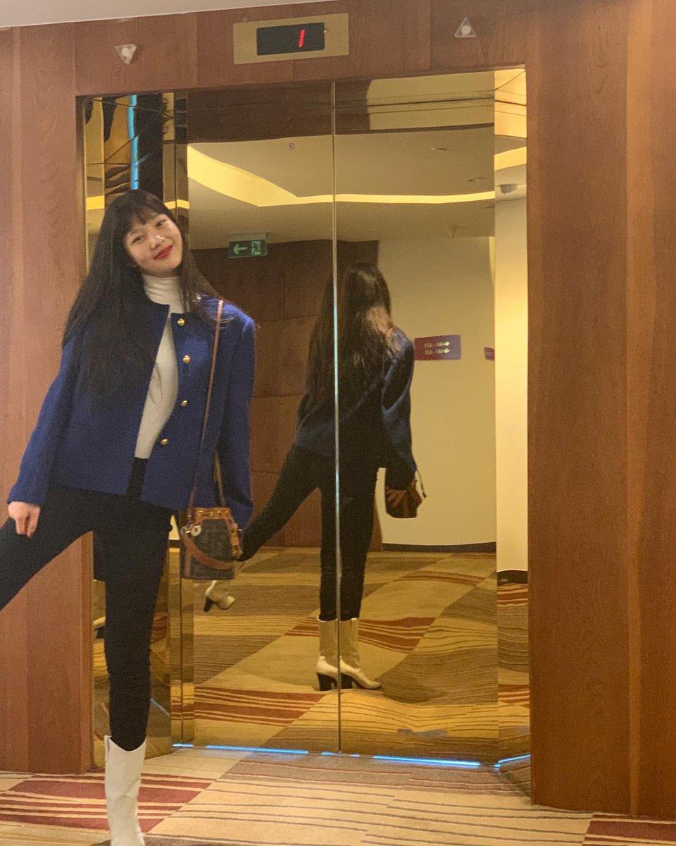 ꒰🖇✧ ° magda upchar꒱.     ╰┈─➤joystgrm191130 Joystagram #redvelvet #레드벨벳 #Joy #조이 #MAMAVOTE RVsmtown 헤😁https://www.instagram.com/p/B5epn1PhE41