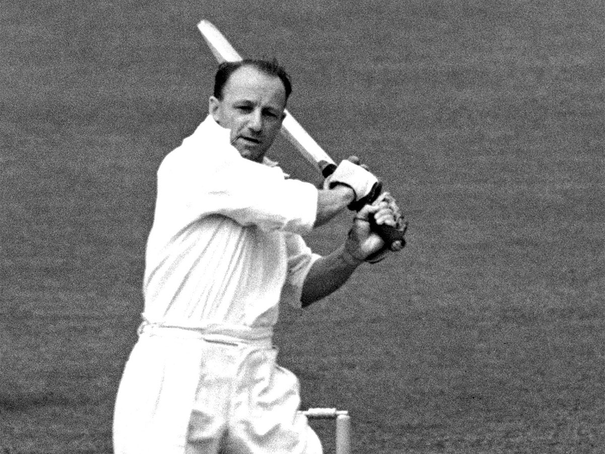 #Cricket  When #DonBradman was dropped after his debut Test   #Bradman's career didn't have a great start  Read More   http:// toi.in/-ETWPa26/a24gk    <br>http://pic.twitter.com/hhzzLNaJ1n