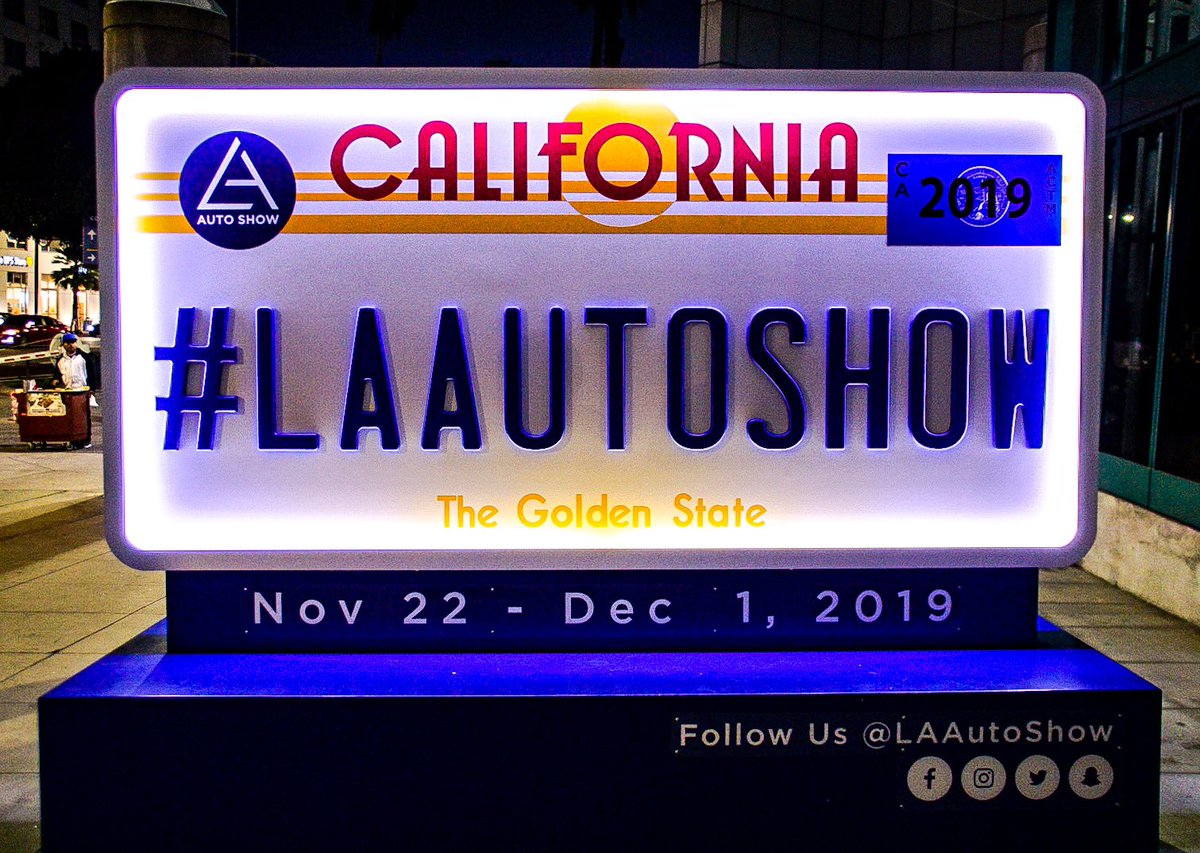 Thanks for coming to see us! Everybody else: we're here until 8pm tomorrow! #LAAutoShow https://t.co/4GC0CFV9RM