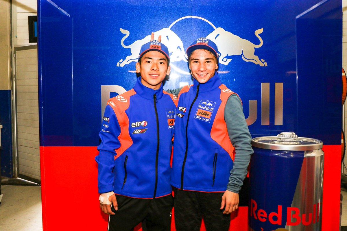 These two 😍✊🏻😅 #2020StartsNow #Moto3 #KTM #NewAdventure #RedBull #Tech3 #DO53 #AS71 @MotoGP