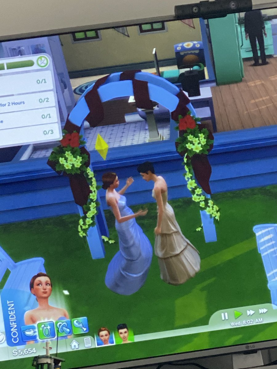 Had to grab a photo of my 10 year old daughters first wedding  Mostly pleased at how confident she feels. I also got to help pick out the dress!  #thesims4 #playstation4 #pride #firstwedding #confident #ProudDadpic.twitter.com/ze9N1rcABu