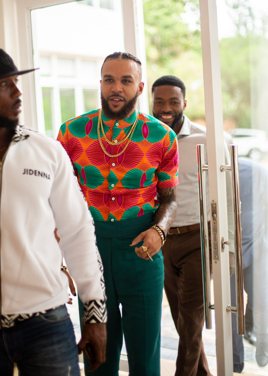✨Last evening, we had a very unusual guest visit Irembo!💃  🔥We had the pleasure of hosting @Jidenna at our campus, a few hours before his performance in Kigali.  - Besides getting starstruck🙆‍♂️, his words of wisdom and spirit of Pan-Africanism are so alive and inspiring! https://t.co/nXE0MEsB9O