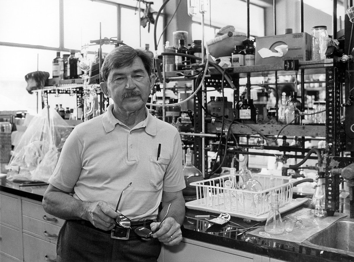 There is still so much beyond our understanding even in the simplest systems the chemist has cared to deal with. Remembering chemist Henry Taube, born #OTD 1915 and awarded the 1983 Chemistry Prize for his work in the mechanisms of electron-transfer reactions...