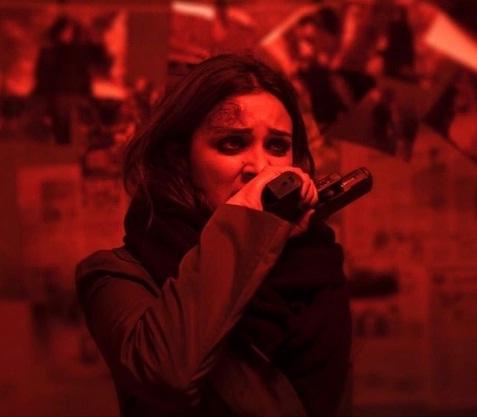 सिर पर चोट का निशान और हाथ में बंदूक लिए नजर आई परिणीति चोपड़ा, ये है पूरा मामला https://bit.ly/35TRo4x #ParineetiChopra #parinitichopra #TheGirlOnTheTrain #BollywoodCelebs #BollywoodStars #BollywoodActress #bollywoodhot #bollywoodmovies #BollywoodNews #actresspic.twitter.com/VmdrO1GSQm