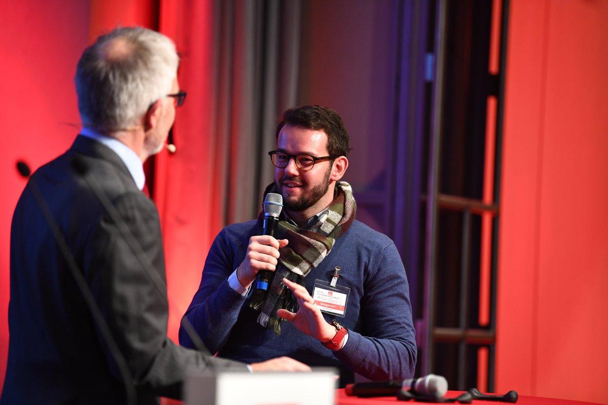 #AndreasZippel ist unser #Digitalisierungsexperte & #SPD-Oberbürgermeisterkandidat für #Bayreuth  #Digitalisierung ermöglicht mehr #Bürgerbeteiligung & gibt neue Möglichkeiten in der Verkehrspolitik  Mehr Infos unter: https://www.andizippel.de/kontakt-1/  #lpt19 #ZukunftbeginntvorOrt pic.twitter.com/k4iceab4LR