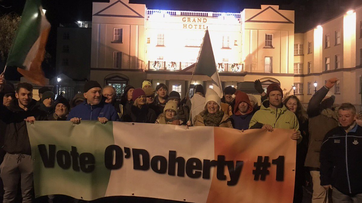 Look at these fucking numbty heads, standing out with banners for the biggest numbty head of them all Gemma O'Doherty over the last few weeks. Hope they all caught pneumonia. That woman should be admitted to a mental hospital. Delusional to think she'd get a seat. Happy Xmas G🖕🏼