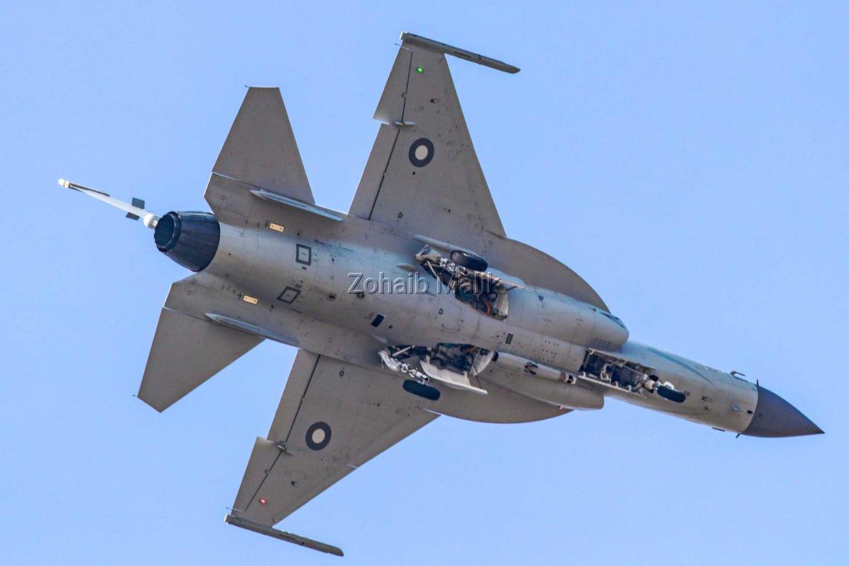 باكستان والصين يطلقان مشروع النسخه مزدوجه المقعد JF-17B EKoHbwRWsAcGCC5