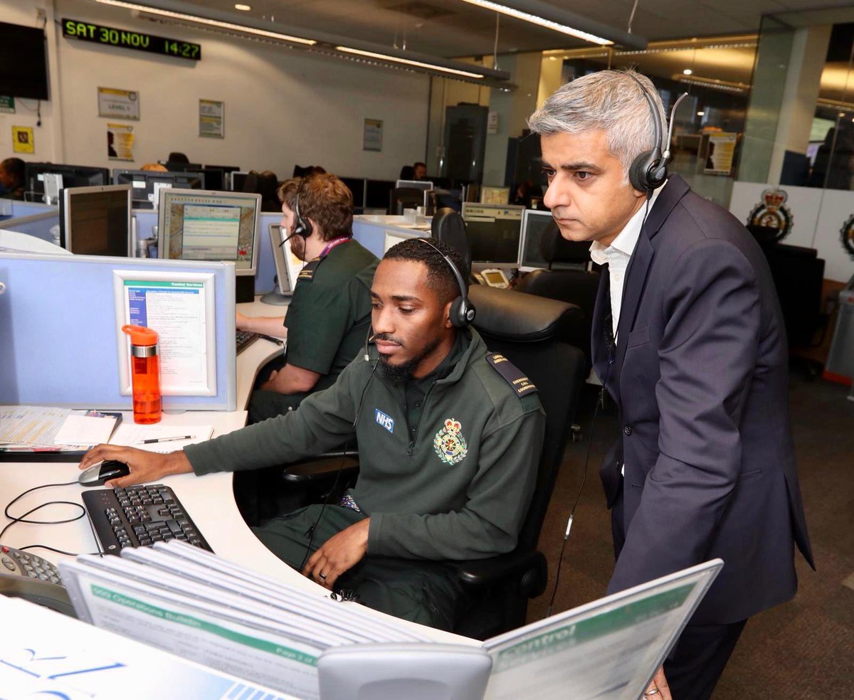 The first @Ldn_Ambulance medics were at the scene yesterday within just seven minutes of being notified. It was a privilege to meet their dedicated teams in person, and thank them on behalf of all Londoners.
