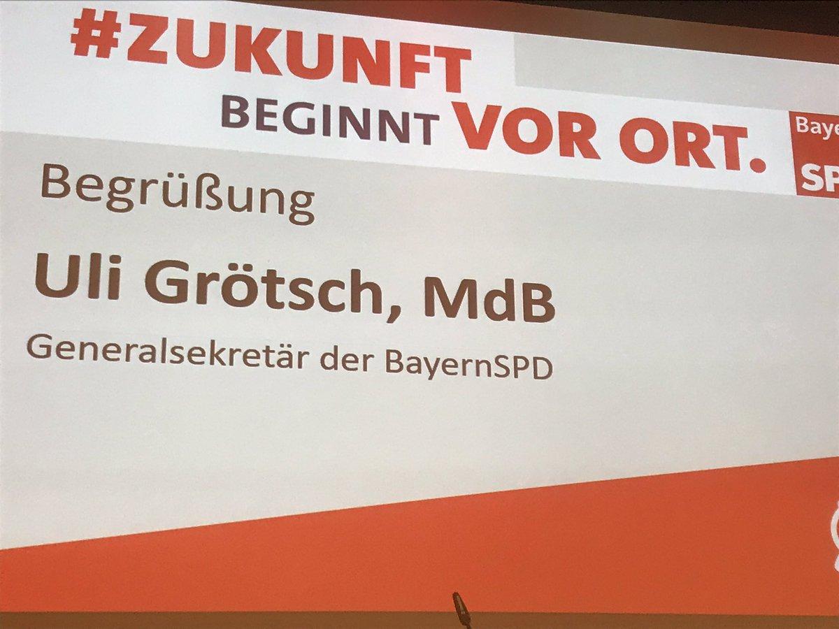 Der kleine Parteitag der #BayernSPD in Taufkirchen ist durch den Generalsekretär, Uli Grötsch eröffnet. #ZukunftBeginntVorOrt  Kommunalwahl 2020 pic.twitter.com/pCN9c7cDIy