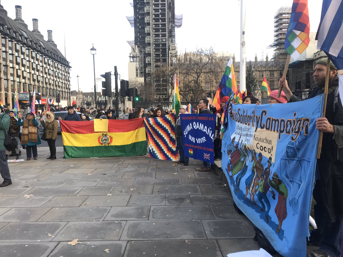 #Bolivia + internationalist community in London outside parliament to say NO to the fascist coup against @evoespueblo and demand justice over the massacre of protesters.  #BoliviaCoup #ElMundoConEvo <br>http://pic.twitter.com/jTrPQI8pB1