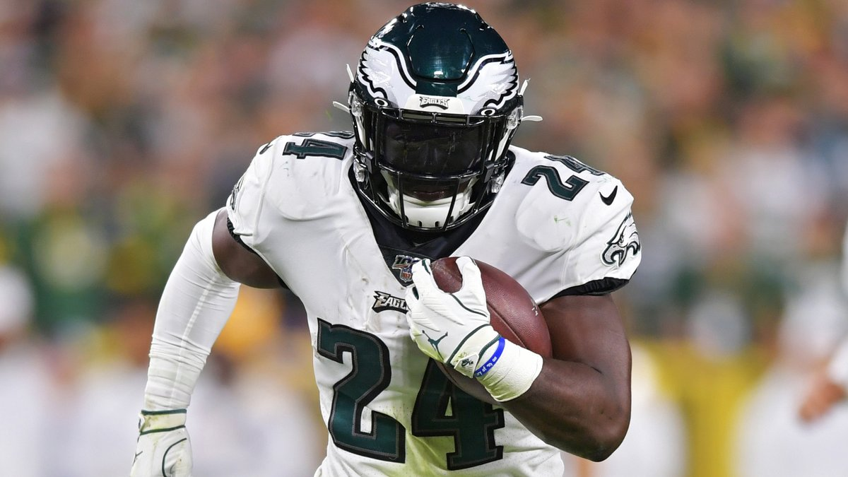 Dolphins catch break, will face Eagles without RB Jordan Howard