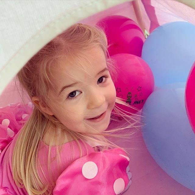. . . .  #kentishmama #kentmum #kentmums #hawkinge #folkestone #kent #toddler #3yearsold #minniemouse #toddlerlife #mygirl #birthdaygirl #peekaboo . . . .  #kentishmama #kentmum #kentmums #hawkinge #folkestone #kent #toddler #3yearsold #minniemouse #toddlerlife #m…pic.twitter.com/Std0NnDINo