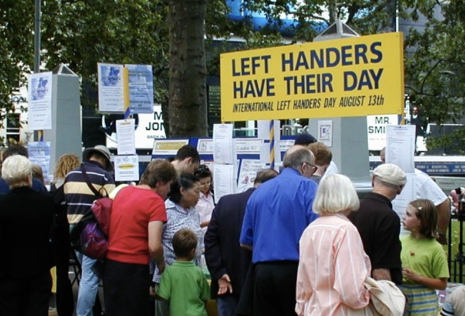 Apparently 10% of people are left handers.  6 of the highest 10 scores in test cricket now belong to left handers.  Maybe I should encourage the Roberts girls to bat left handed!  What do you reckon @gilly381?  @CricketAus  #LeftHandersDay <br>http://pic.twitter.com/Ou8H3j0daX
