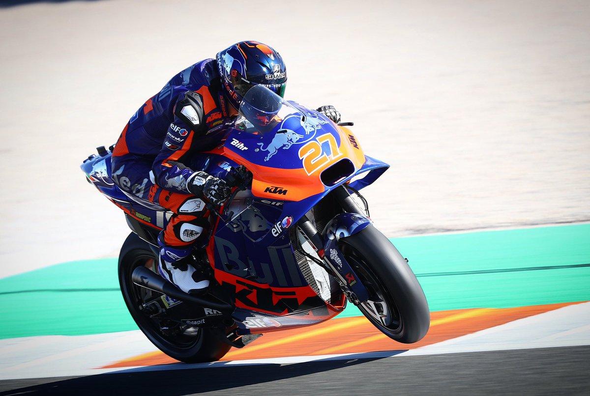 It's a #SpeedySaturday ✊🏻 #KTM #Tech3 #MotoGP @MotoGP #IL27