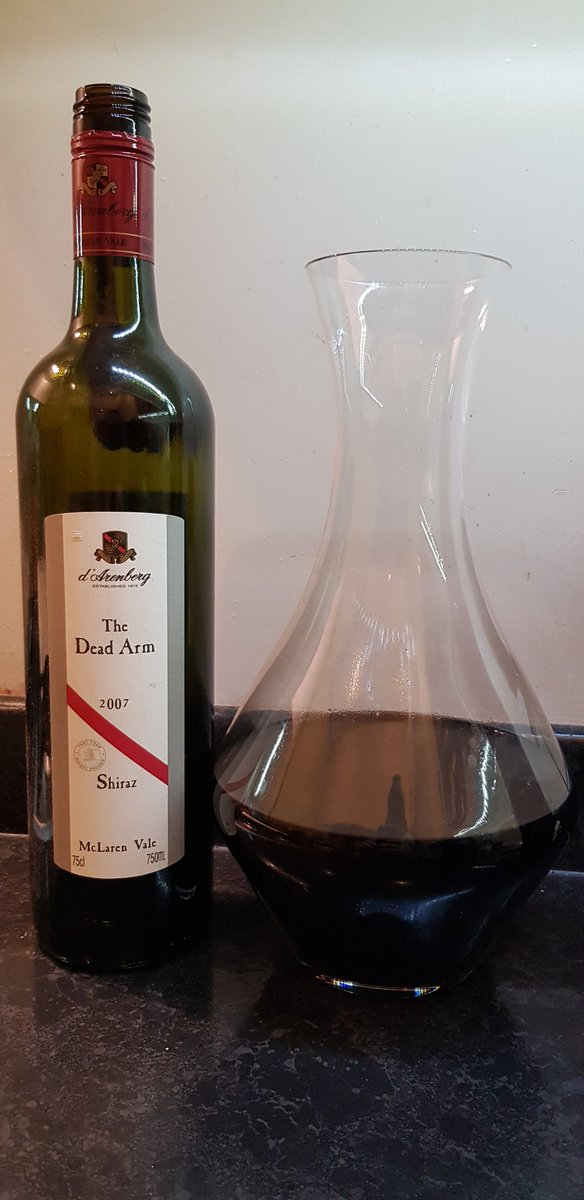 Home-made lasagne and a glass or two of this Aussie icon. What a wine! Heavenly.   #wine #winelover #winelovers #drinkbetterwine <br>http://pic.twitter.com/Zd0QnXHafu