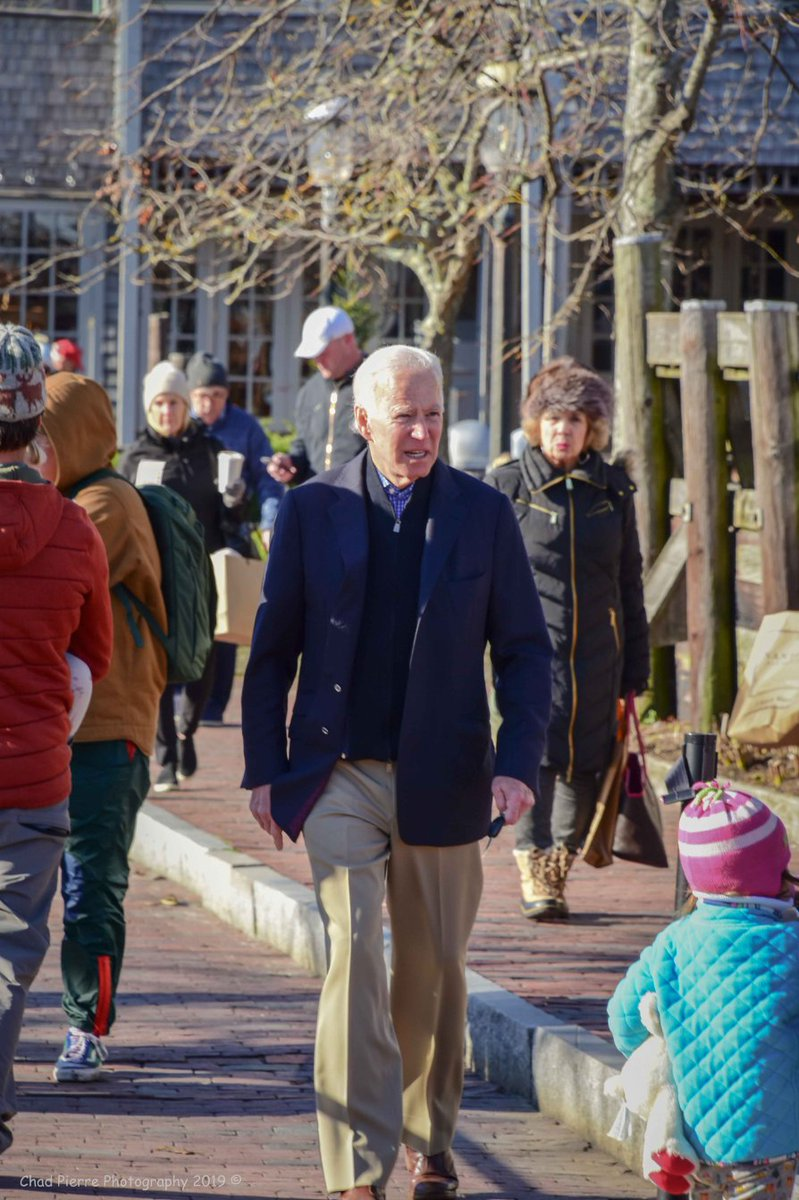 #HappyThanksgiving to Former @VP44 @JoeBiden & Family who spent Thanksgiving on Nantucket Island, Ma. This is a tradition of the Bidens to be here on the island during this time of the year. @Chad_Pierre #ChadPierrePhotography - #ACK #Nantucketpic.twitter.com/Kvxwj9lzSd