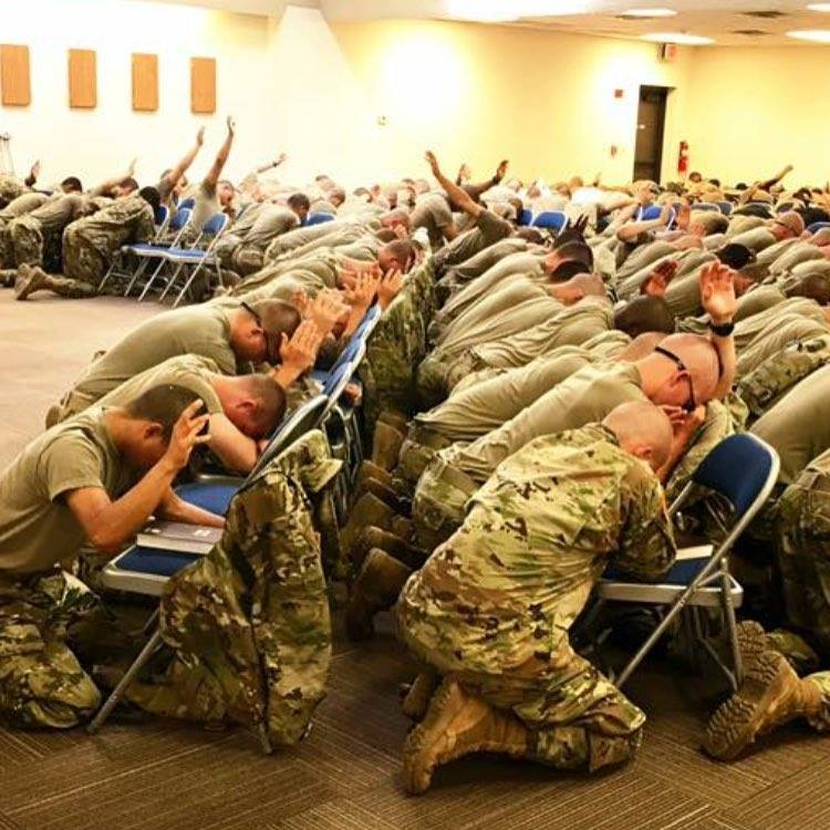 RT THIS if you are PROUD to have ARMED FORCES that PRAY!!!! ONE NATION UNDER GOD!!! Somebody say AMEN!