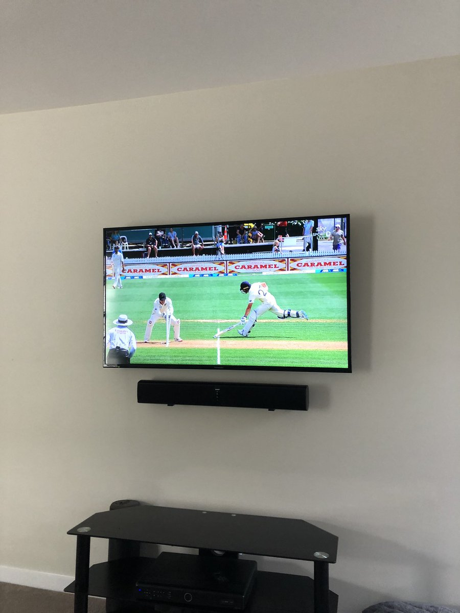 Zaki Haider On Twitter I Like The Way You Set Up Your Sound Bar And The Tv Hidden Wires Behind The Dry Wall Lol Nice Little Idea Thanks Jimmyneesh Https T Co Rmb1k8liod