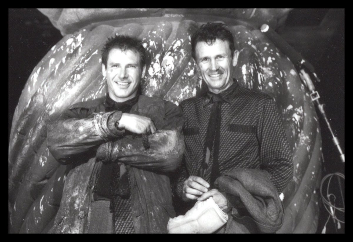 "For my final #BladeRunner #November2019 #PreciousPhotos, I want to address the well-worn narrative that the film was a difficult shoot. As Harrison Ford says in DANGEROUS DAYS, ""It was a bitch."" But it wasn't only that. So let's end not with ""Blood Runner""... pic.twitter.com/DxXAMb1vvK"