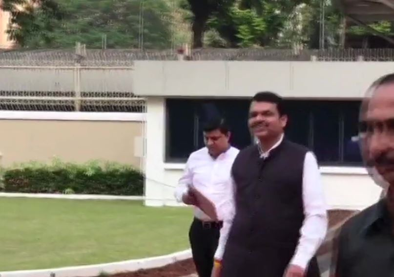 Protem Speaker #DilipWalsePatil has called for meeting of all party leaders as #Maharashstra Assembly to elect Speaker today; Former Maharashtra CM and BJP leader @Dev_Fadnavis  arrives at the Assembly http://zeesalaam.tv pic.twitter.com/y2TTr2kMrZ