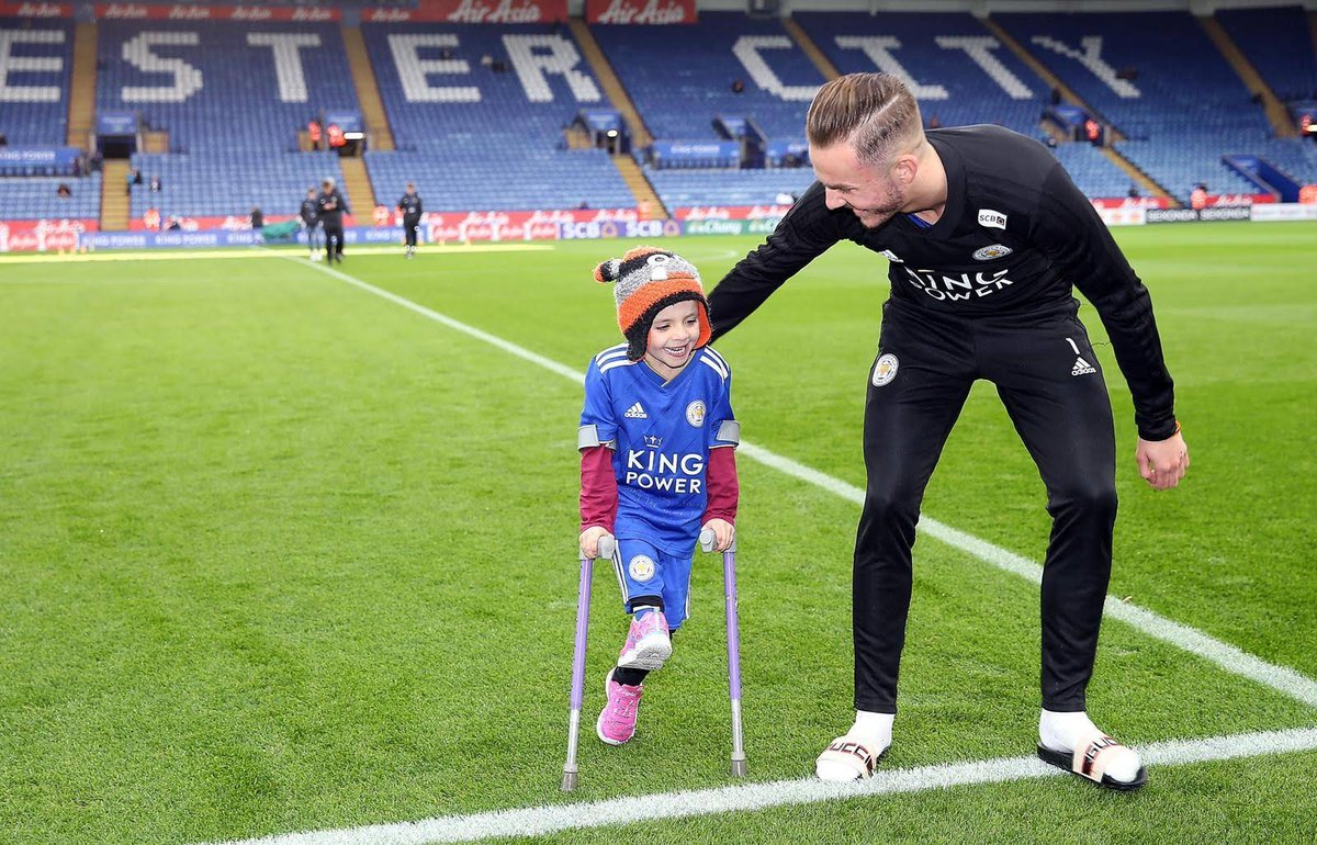 What a day I had with @Madders10 and @LCFC a year ago today. Memories like these are even more precious now I am an angel. Mummy, Daddy, Evie, Connor, family and friends look back fondly on times like this. Thank you James and all at Leicester for a wonderful day last year xx