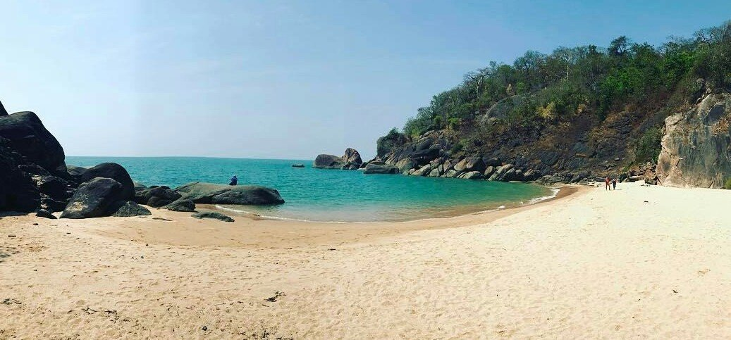 Betalbatim Beach is located north of Colva. It is a ten kilometer stretch of white sand which is not very crowded. #LookForIt Photo Credit: @thrillophilia https://t.co/o4Gy44X1Ra