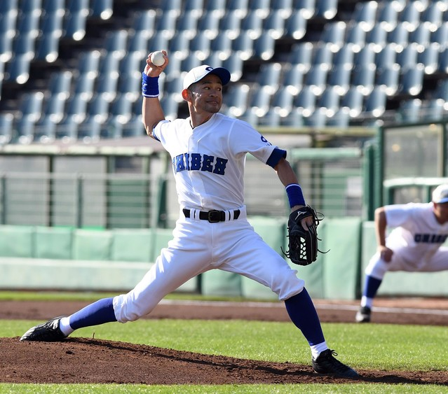 【躍動】イチロー、草野球で16K完封!打っては3安打猛打賞 草野球チーム「神戸智弁」の「9番・投手」として、ほっともっとフィールド神戸で念願の草野球デビューを果たした。